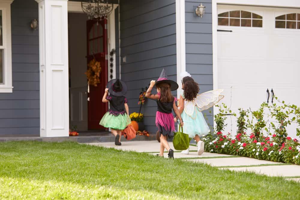 10 Tips for Avoiding Legal Trouble on Halloween